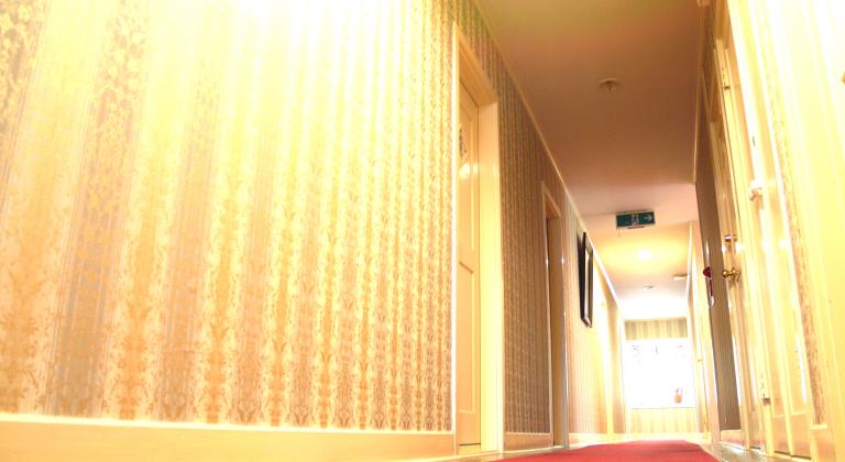 館内(本館2階廊下)