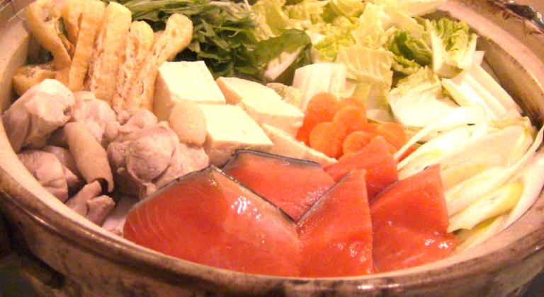 夕食追加メニューの信州サーモンみそ鍋一例