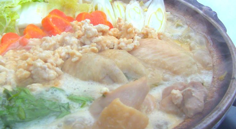 夕食一例(とりみそ野菜鍋)
