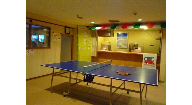 卓球台・ピザショップ