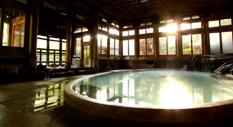 よろづやの桃山風呂