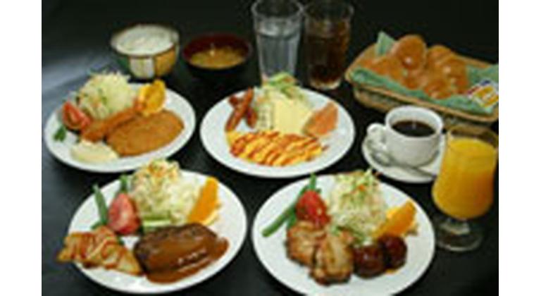 グレードアップ夕食の肉ピリカラ鍋一例
